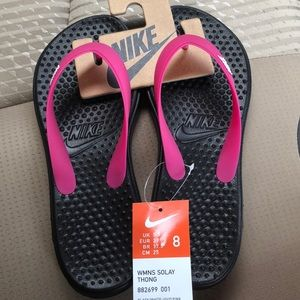 Nike women's Solay pink flip flops size 8 NWT